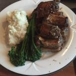 Greek ribs with garlic mashed potatoes