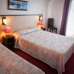 Chambre Triple de l'Hôtel Restaurant Roch Priol situé près des plages de Quiberon