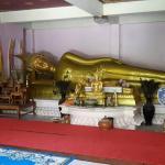 Photo de Wat Khao Tham