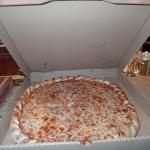 Thin crust Cheese. Great crust!
