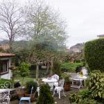 jardin entre hotel y restaurante (solo una parte pequeñina)
