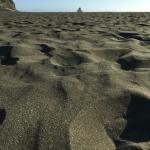 Песочек на пляже. Ух, босиком в солнцепёк невозможно пройти