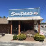 San Dee's in Newland, NC