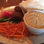 Hummus/Falafel plate