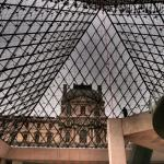 A 3 year old girls' journey into the Louvre