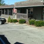 Zdjęcie The Shady Lawn Lodge