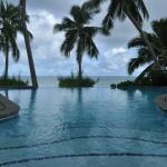 Vista desde la piscina, pequeña pero infinita...