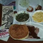What the meal looked like before I ate, the bar b que sauce came in a separate container