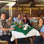 Compartiendo la mesa con la familia