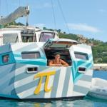 Pizza boat in Christmas Cove on Great St James