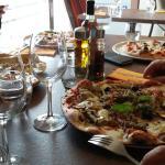 Super pizzerias 😊excellent service bonne adresse, merci