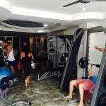 ฟิตเนส/สโมสรสุขภาพและห้องออกกำลังกาย