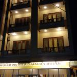Avalon Hotel Photo