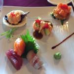 Sushi tapas. Blanche neige. Tournesol. Sashimi. Yin.