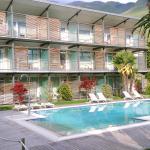 pool and balcons