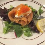 Marinated Salmon Gravlax on Potato Rosti, sour Cream & Roe