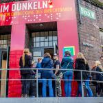 Besucher-Visitors-Entrance-Eingang-Dialog-im-Dunkeln-Dialog im Stillen Hamburg