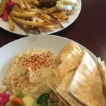 The Cedar Tree Lebanese Restaurant Foto