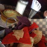 spinach & artichoke dip w/ chips