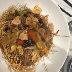 J'y suis allé hier soir en famille!! C'était très bon!! Canard à l'orange et Mi Xiao tanviet !!