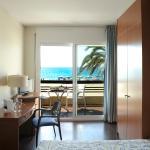 Habitación con terraza sobre el Mar