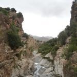 Une gorge dans les montagnes hors circuit touristique