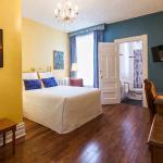 chambre ''confort'', un lit queen, salle de bain standard