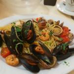 Spagetthi seafood, awesome tiramisu ..in cheap price!