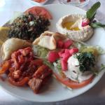 Assiette mixte (3 mezzés chauds et 3 froids)