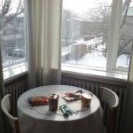 Nice to have a dining table in the room with a view of the beautiful snow fall in winter