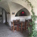 Entrada a las cuevas  e interior