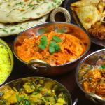 Delicious Balti with Rice and Nan Bread