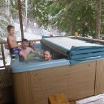 Hot tub at Cougar cabin