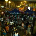 Divisoria: Live bands, Street foods, Night Market