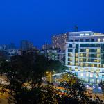 拜克蘇拉吉廣場飯店