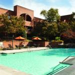DoubleTree Suites by Hilton Hotel Charlotte - SouthPark