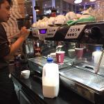 ภาพถ่ายของ Costa Coffee Siam Paragon Shopping Center