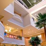 3-Story Lobby Atrium