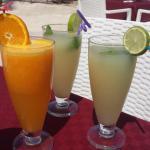 Citronnade et jus d'orange
