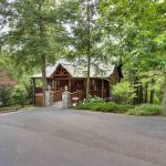 Cedar Falls Luxury Cabin Rentals