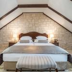 Bedroom (185554637)