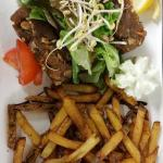 Tartare de thon frites maison