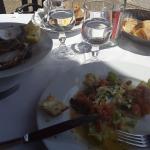 Huître et salade saumon oeuf poché excellent