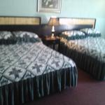 Guest Room with 2 Queen Beds