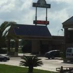 Photo de Days Inn Lafayette/University