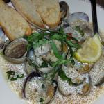 Garlicky clams