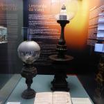 Lamp gebaseerd op ontwerpen van Da Vinci.