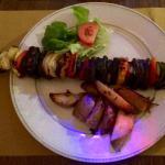 Spiedino di verdure grigliate con patate