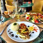 Tuna steak and salade nicoise