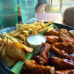 wings with fries and handout chips